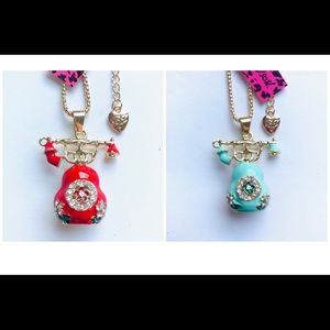 Red or Blue Old Fashioned Phone Necklaces